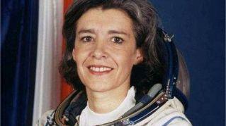 """Astronauta lancia allarme: """"La Terra è in pericolo"""" poi entra in coma"""