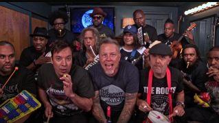 """I Metallica suonano """"Enter Sandman"""" con strumenti giocattolo"""