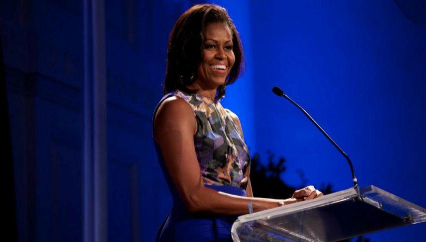 Michelle Obama svela il motivo del suo sguardo davanti a Trump