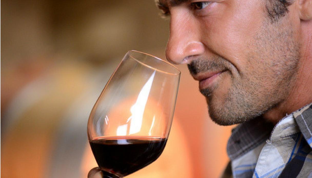 Una bottiglia di vino non fa male, essere astemi sì. Lo dice la scienza