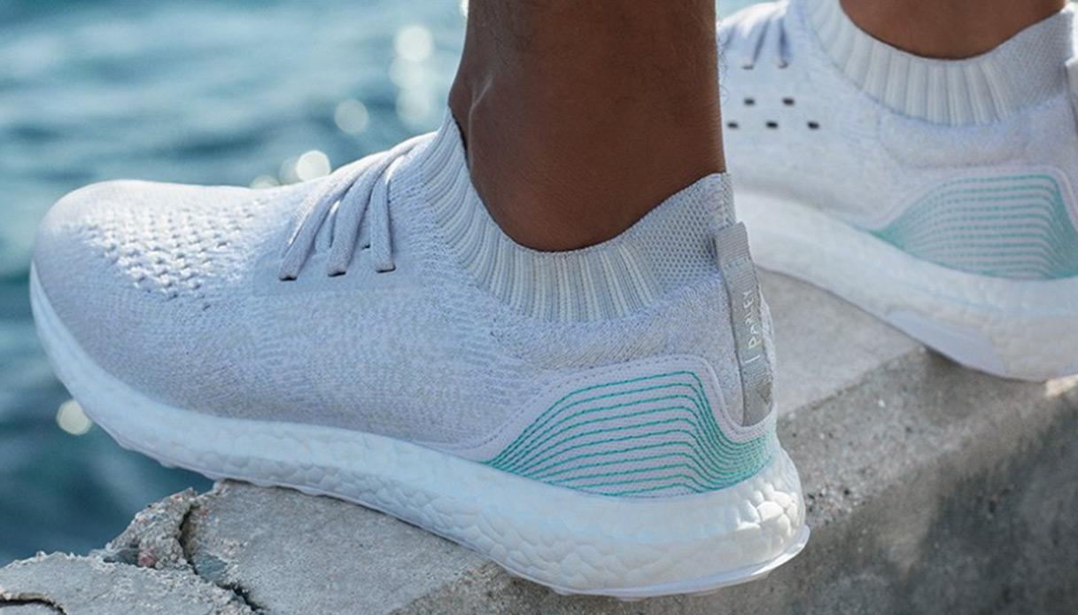 Nel 2017 Adidas produrrà un milione di scarpe con i rifiuti dell'oceano