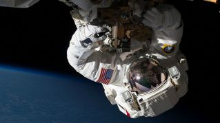 La NASA è disperata: aiutiamo gli astronauti a risolvere il problema della cacca