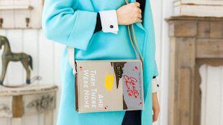 L'ultima moda: ecco le borse ispirate ai 'classici' per gli amanti dei libri