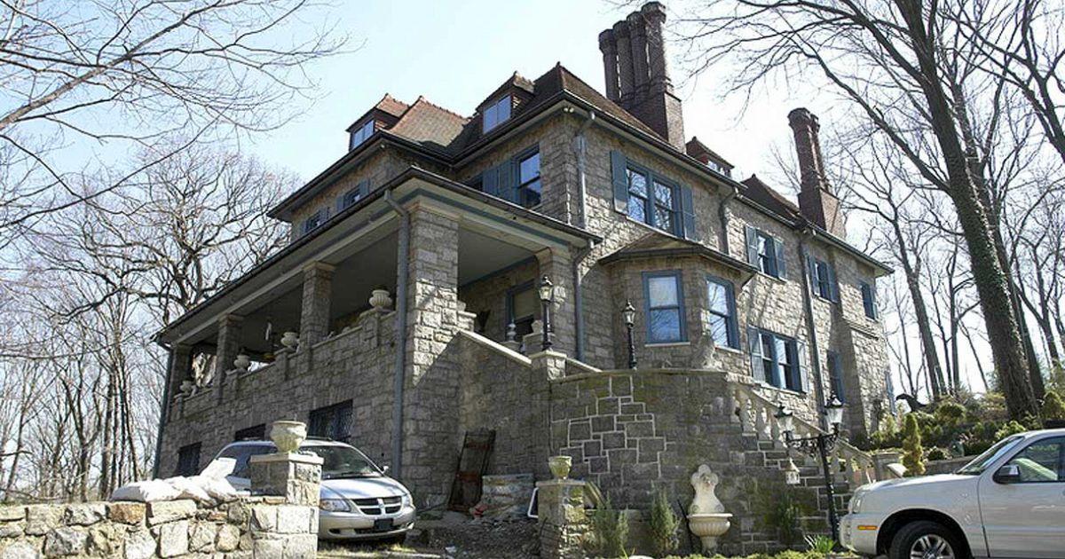 La casa del bronx costruita per il ritorno di ges sulla for Casa costruita