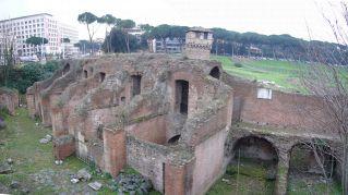 Il Circo Massimo era il centro commerciale dell'antica Roma, compresi bar e lavanderie