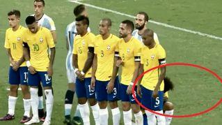 Lo strano comportamento di Marcelo sulla punizione di Messi