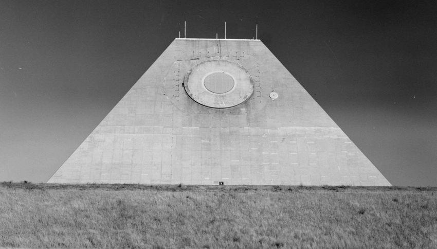 Il mistero della piramide militare costruita nel cuore dell'America