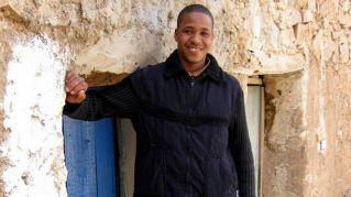 Lecce, ambulante trova portafogli e percorre 40 chilometri per restituirlo