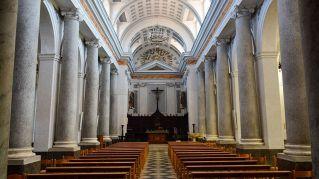 Fedele salta la fila per la confessione: rissa sfiorata in chiesa