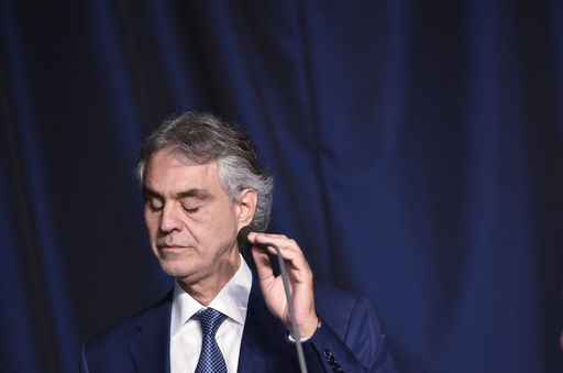 Troppe polemiche, Bocelli rinuncia a cantare per Trump