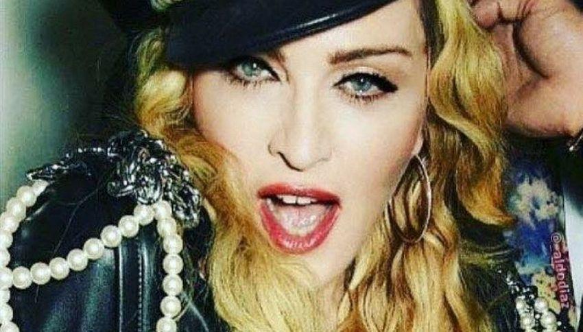 Madonna prende in giro Lapo Elkann per l'arresto a NY
