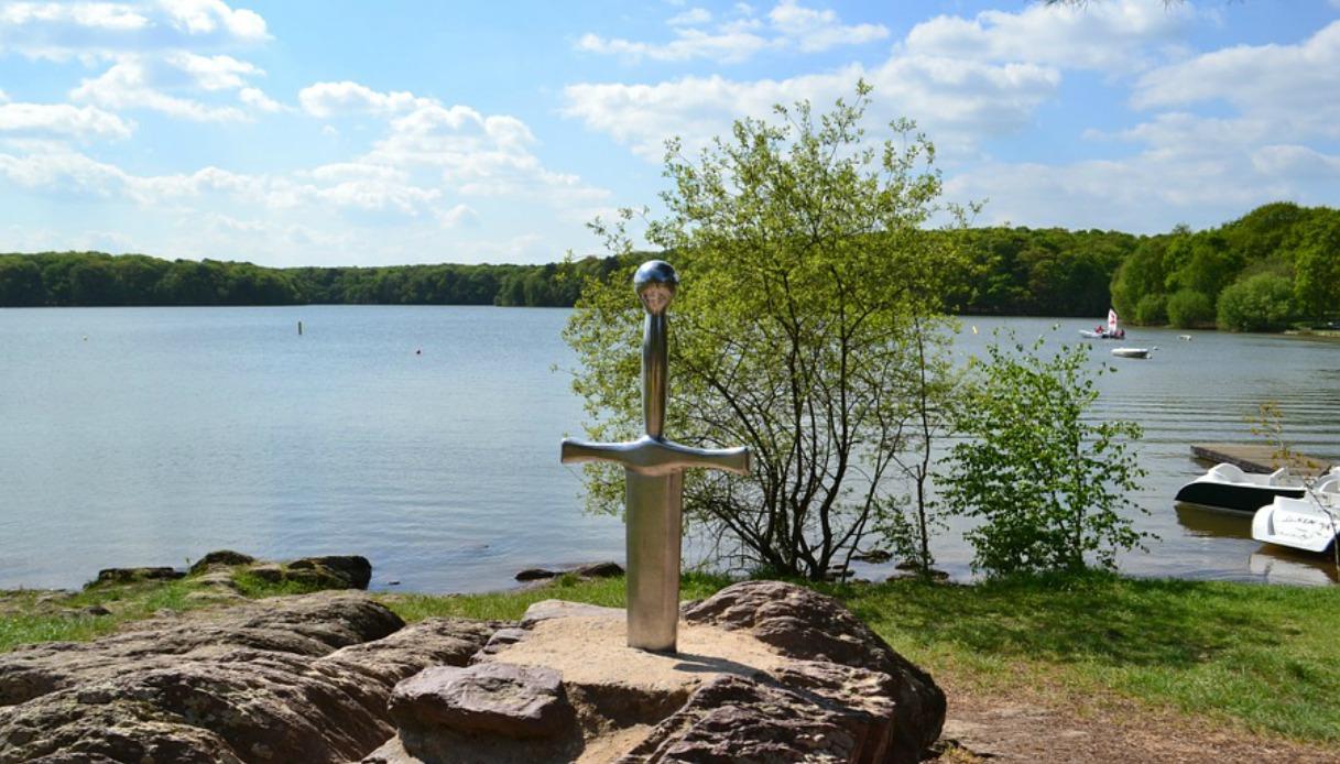 Camelot davvero esistito ritrovato il castello di re art - Nomi cavalieri tavola rotonda ...