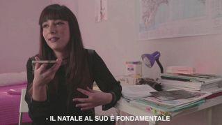 """""""Non torno a casa per Natale"""", il video di Casa Surace è virale"""