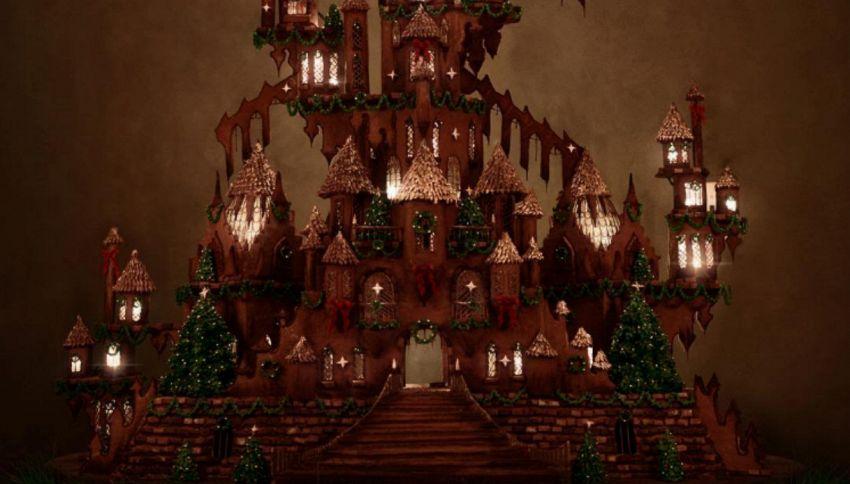 Un intero castello di pan di zenzero, alberi di biscotti e vetri glassati