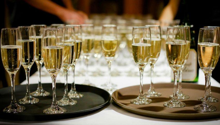 Panettone e pandoro, ecco 10 vini con cui abbinarli