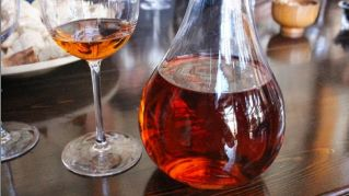 Orange wine: il prossimo anno berremo tutti vino arancione