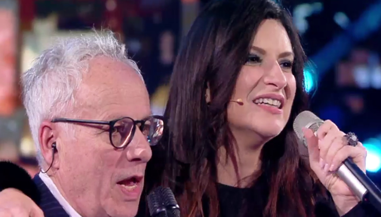Laura Pausini duetta con il padre e si commuove