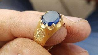 Sherwood, trovato per caso anello medievale da 83mila euro