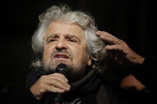Dopo le fake news le fake foto: Beppe Grillo accusa l'Unità