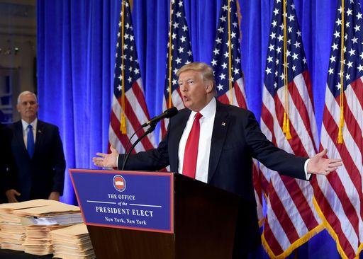 Trump e i dossier russi: Mosca non ha materiale compromettente su di me