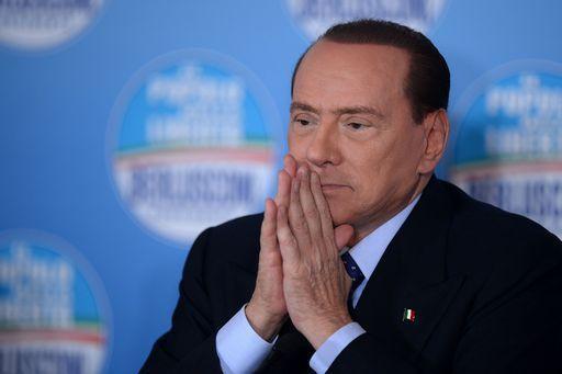 Berlusconi dice che è pronto a ricandidarsi