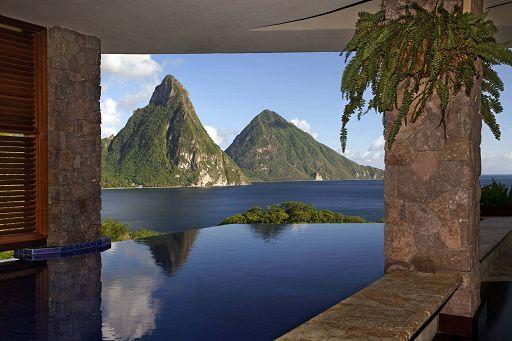 Il resort fantasma da 8 stelle in Belize, a Varese truffati vip e pensionati