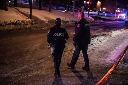 Spari in una moschea in Canada, 6 fedeli uccisi. Trudeau: attentato terroristico