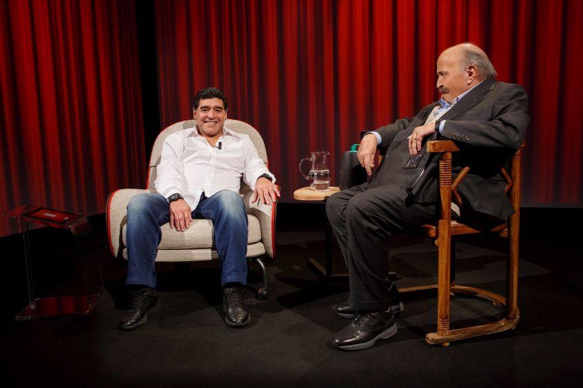 """""""L'Intervista"""", Maradona a Costanzo: """"La droga l'errore peggiore"""""""
