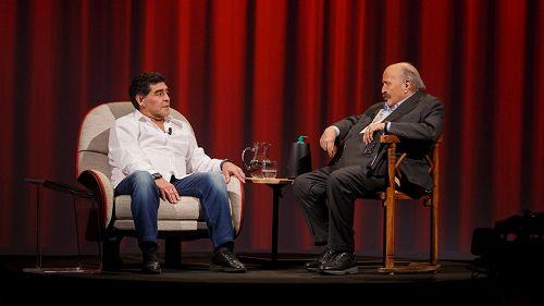 Maradona: ecco perché l'intervista con Costanzo non ci sarà
