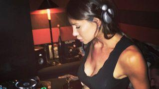 Nicole Minetti e la nuova vita da deejay in giro per l'Europa