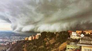 La tempesta di neve si abbatte su Chieti. Sembra uno tsunami