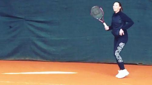 Flavia Pennetta si allena col pancione