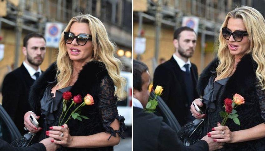 Gaffe Valeria Marini: sedotta e abbandonata dal venditore di rose