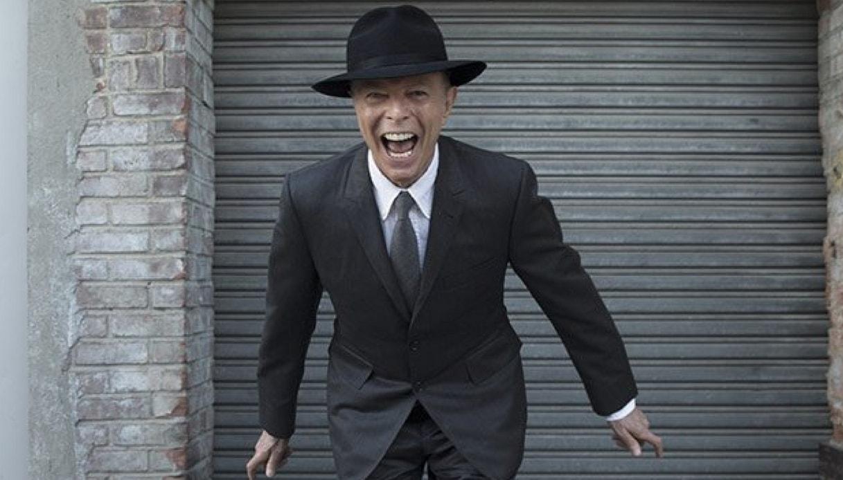Brit Awards 2017: trionfa David Bowie