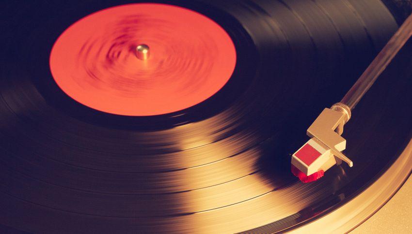 Un disco è per sempre: ecco l'album fatto con le ceneri del morto