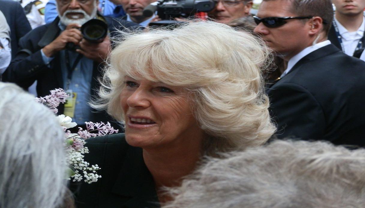 Camilla a Napoli senza Carlo: ecco a chi farà visita