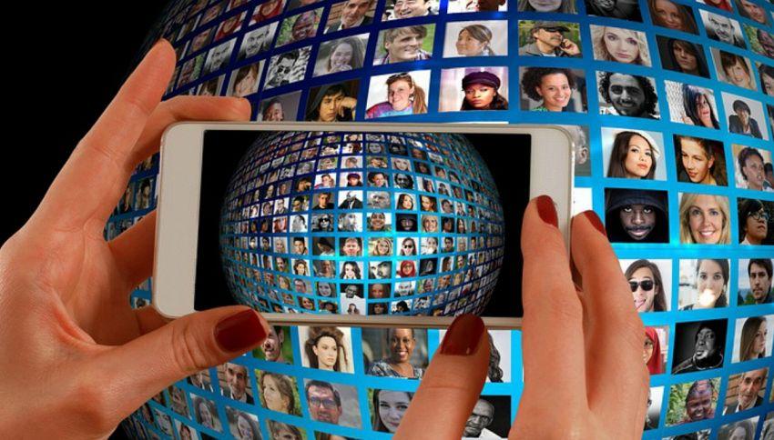 Facezam,trova il profilo Facebook di chiunque incontri per strada