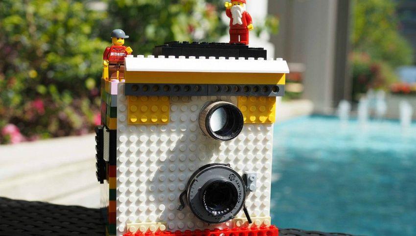 Ecco la prima fotocamera fatta con i Lego