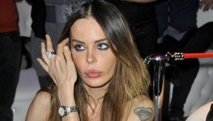 """Nina Moric scende in politica: """"Forse mi candido con CasaPound"""""""