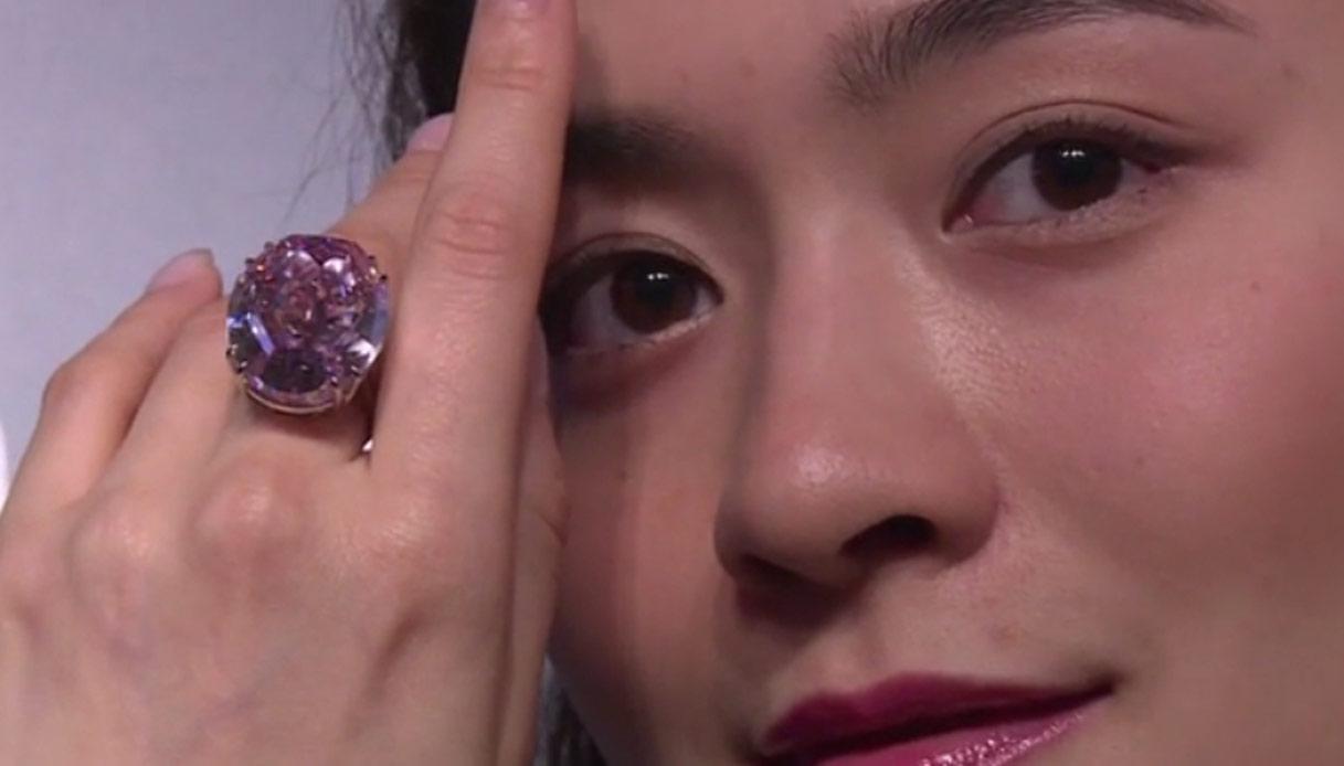 All'asta il diamante rosa più grande della storia