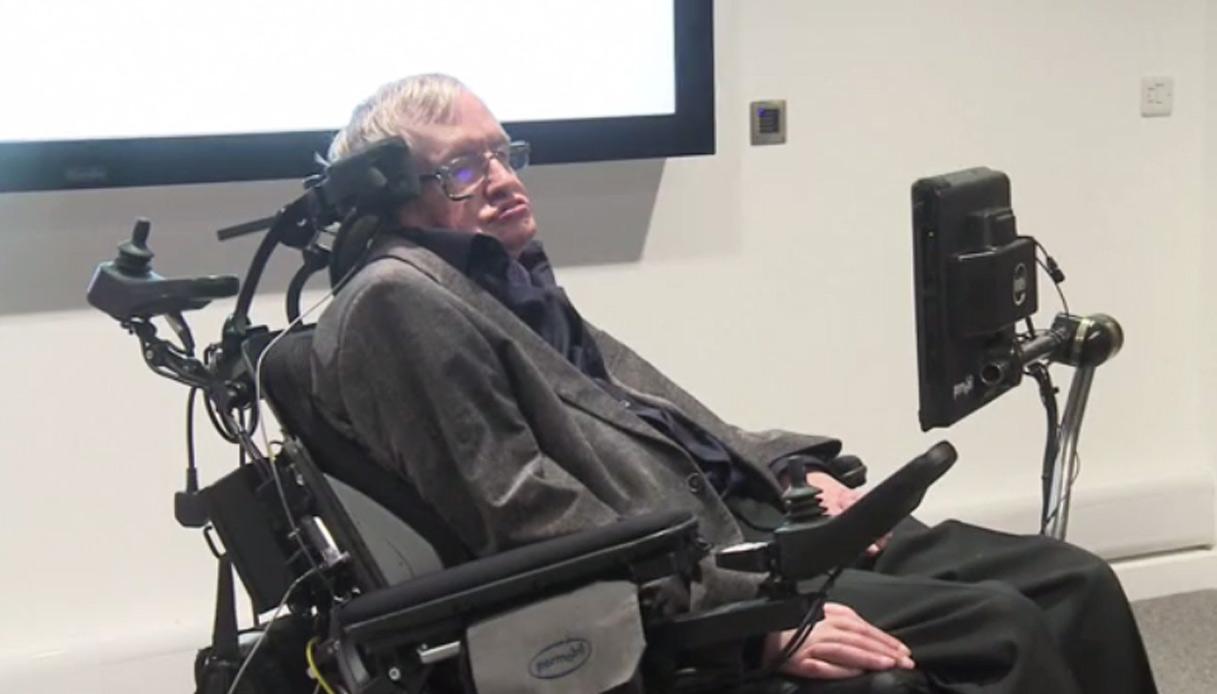 Lo scienziato Stephen Hawking andrà nello Spazio