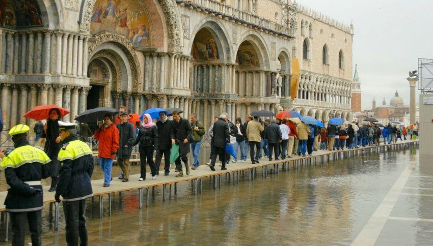 Venezia sott'acqua entro la fine del secolo, lo dice la scienza