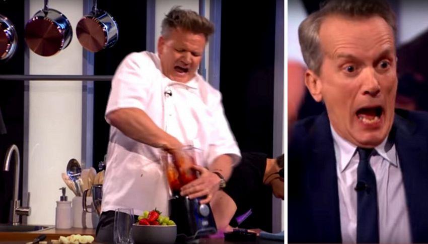 Gordon Ramsay infila la mano nel frullatore: sangue e paura