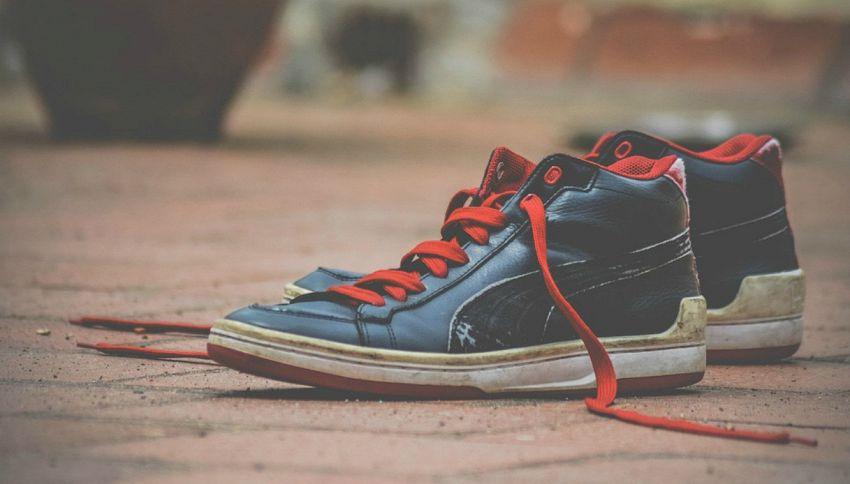 Perché le scarpe si slacciano? Ve lo dice la scienza