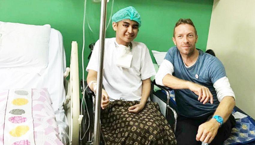 Chris Martin e la sorpresa al fan malato di tumore