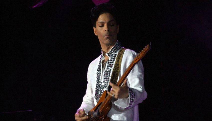 Prince: 6 nuovi brani a un anno dalla morte