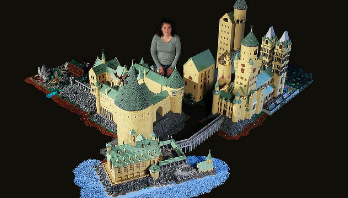 La Scuola di Harry Potter fatta con i mattoncini Lego