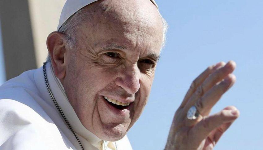 """Il Papa cita Rovazzi: """"Andiamo a missionare"""""""