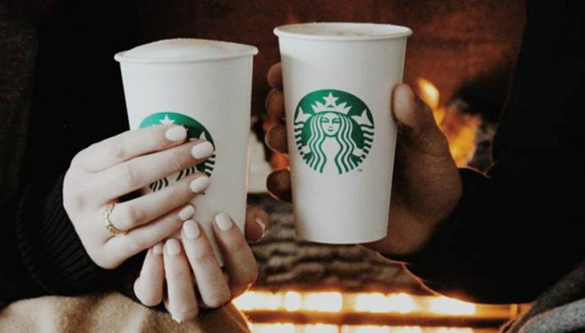 Ustioni con il caffè bollente: Starbucks risarcisce il cliente