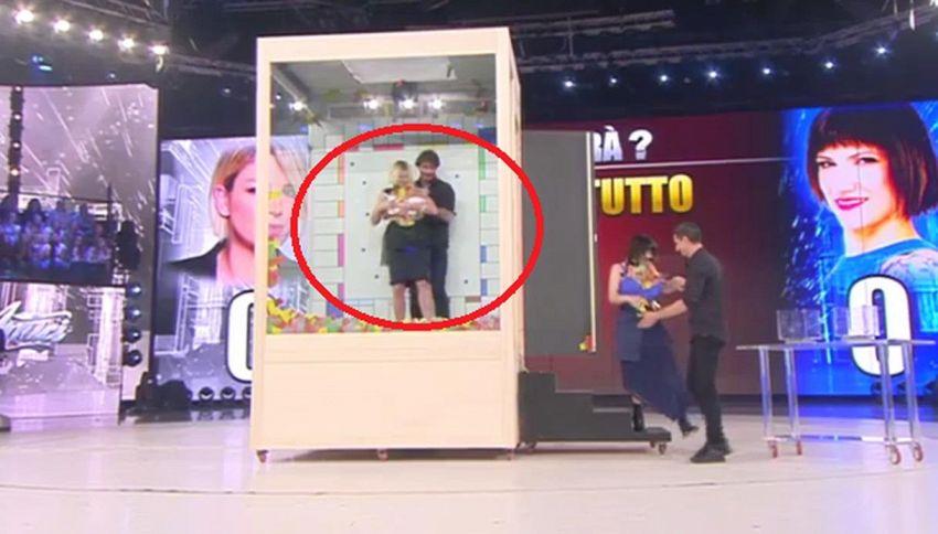 Emma cade, il gesto dell'ex Stefano De Martino fa impazzire i fan